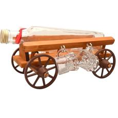 Steklenica za žganje, ter 4 kozarčki na lesenem vozičku