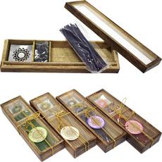 {[sl]:Darilni set, dišeče palčke (30kom) in stožci (10kom) s podstavkom v leseni škatlici,