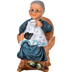 Babica na stolu s skodelico 7x6,5x10,5cm