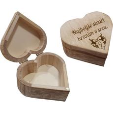 """Škatla lesena v obliki srca """"Najboljše stvari hranim v srecu"""" 8,8x4,6cm"""