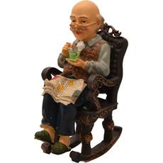 Dedek/babica sedita na gugalniku s skodelico 13,6x7x18,7cm